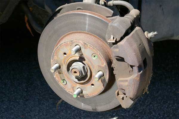 b0a928e42f When It Is Time to Change Your Cars Brake Pads and Shoes   Boulevard ...